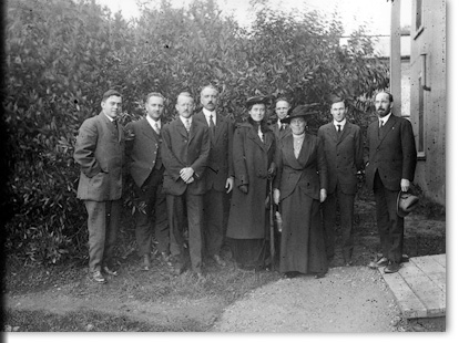 Anthropology Department Staff, 1915-1916: Gifford, Waterman, Merriam, and 6 others